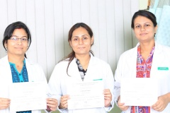 doctors-with-certificate